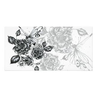 Color de rosa salvaje y mariposa tarjetas fotográficas personalizadas