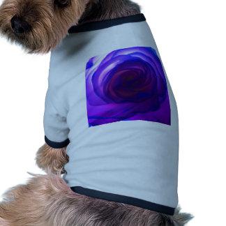 Color de rosa secreto púrpura camiseta con mangas para perro