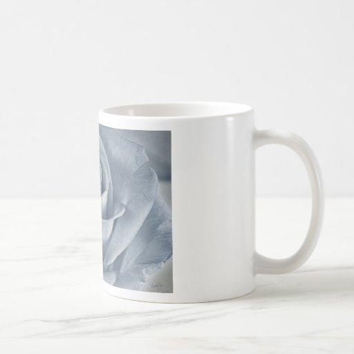 Color de rosa taza básica blanca