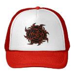 Color de rosa tribal en gorra negro y anaranjado
