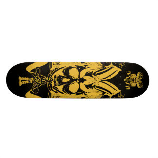 Color del negro del oro del cráneo del samurai monopatin