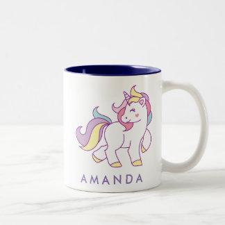 Color en colores pastel del unicornio mágico lindo taza de café de dos colores