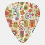 Color floral y búho púa de guitarra
