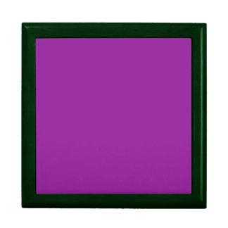Color púrpura con el cuadrado grande de madera ver caja de regalo