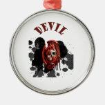 Color rojo del cráneo del diablo ornamentos de reyes magos