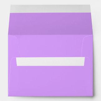 Color sólido de la lila preciosa sobres