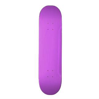 Color sólido de la orquídea media skateboard