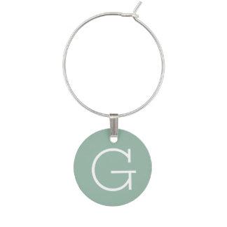 Color sólido de la verde menta con el monograma de identificadores de copas