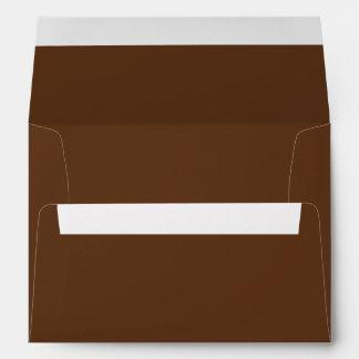 Color sólido del chocolate oscuro sobres