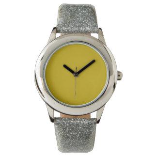 Color sólido del oro reloj