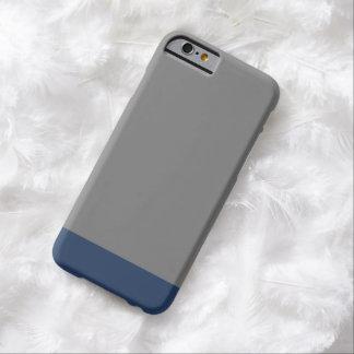 Color sólido llano simple del gris de azules funda de iPhone 6 barely there