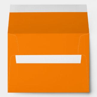 Color sólido simplemente anaranjado sobre