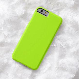 Color sólido verde fluorescente funda de iPhone 6 barely there