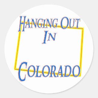Colorado - colgando hacia fuera pegatinas redondas