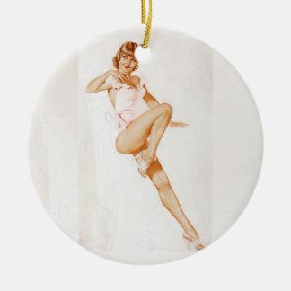 Colorante original 13 del chica modelo del vintage adorno navideño redondo de cerámica