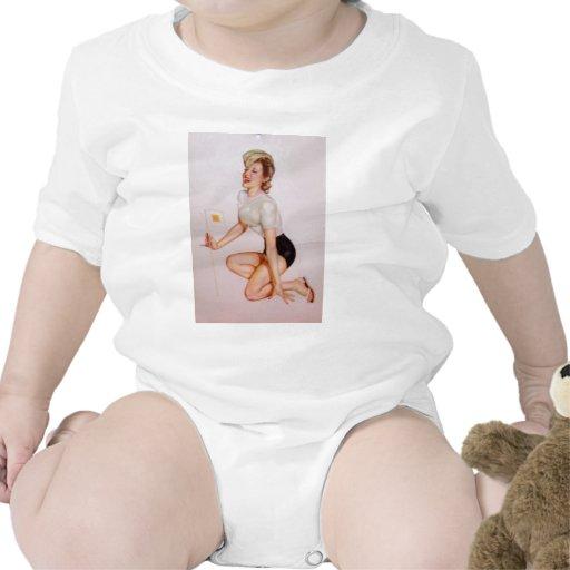 Colorante original 9 del chica modelo del vintage camisetas
