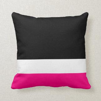 Colorblock negro blanco rosado cojín