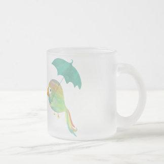 Coloree la taza transparente del loro