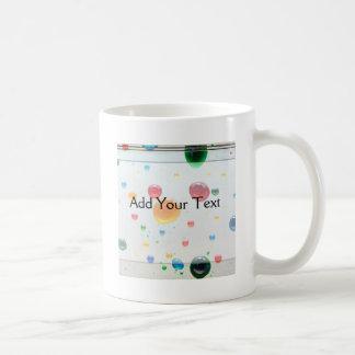 Coloree mis descensos brillantes de la pintura del taza