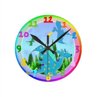 Colores azules del arco iris del dragón del dibujo relojes