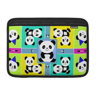 Colores brillantes adorables de los osos de panda fundas MacBook
