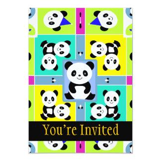 Colores brillantes adorables de los osos de panda