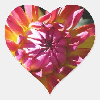 Colores brillantes pegatina en forma de corazón