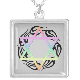 Colores de estrella judíos collar plateado