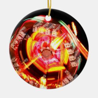 Colores de giro del paseo justo rojos y amarillos ornamentos para reyes magos