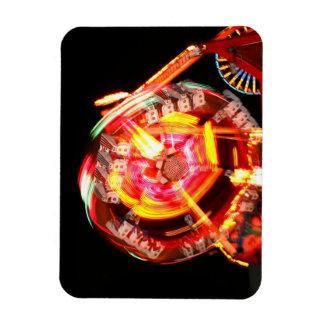 Colores de giro del paseo justo rojos y amarillos rectangle magnet