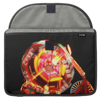 Colores de giro del paseo justo rojos y amarillos fundas para macbook pro