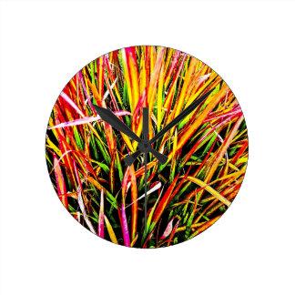 Colores de la Alto-Hierba Reloj Redondo Mediano