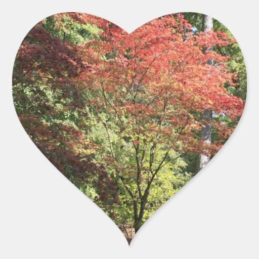 Colores de la caída pegatina en forma de corazón