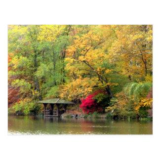 Colores de la caída por el Central Park del lago Postal