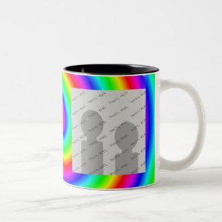 Colores del arco iris. Brillante y colorido. Foto  Tazas De Café