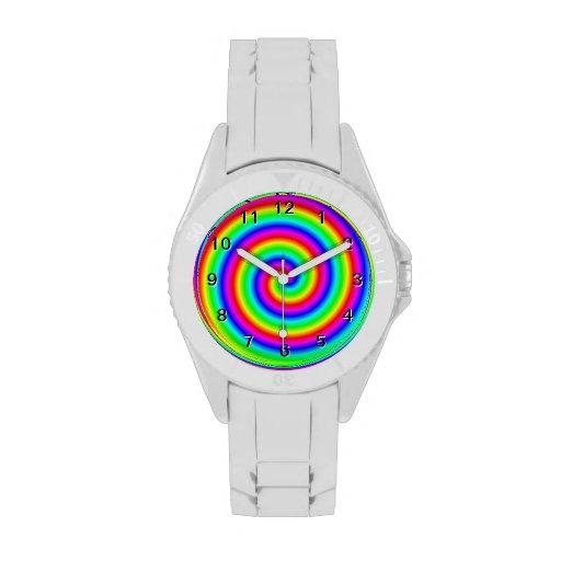 Colores del arco iris. Espiral brillante y colorid Reloj