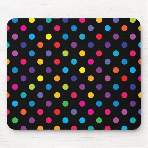 Colores del caramelo en el lunar negro mousepad. tapete de ratones