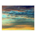 Colores del cielo del deslumbramiento postales