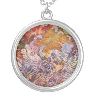 Colores del collar del otoño