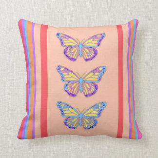 Colores del desierto de las mariposas del sudoeste almohada