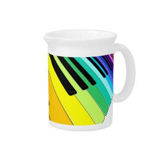 Colores del fiesta de la música del teclado jarras de beber