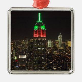 Colores del navidad del Empire State Building en Adorno Navideño Cuadrado De Metal