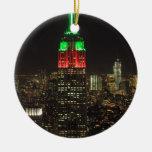 Colores del navidad del Empire State Building en Ornamentos De Reyes Magos