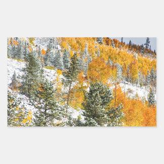 Colores del otoño Nevado de la montaña rocosa de Rectangular Altavoz