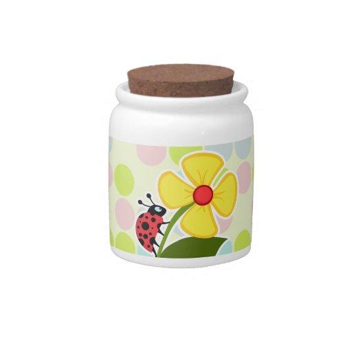 Colores en colores pastel de la mariquita, lunar plato para caramelo
