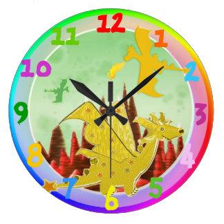 Colores lindos del arco iris del dragón del dibujo relojes de pared