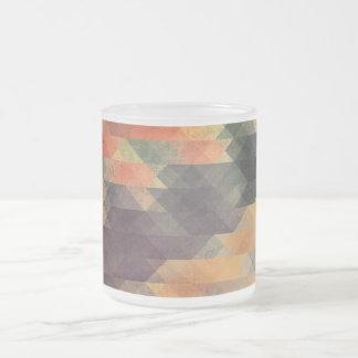 Colores llevados rayas intrépidas geométricas taza de cristal