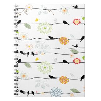 Colorful_birds en un alambre spiral notebook