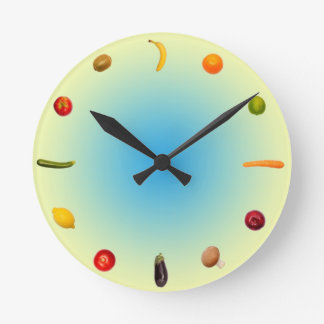 Colorful Clock with vegetables and fruits Reloj Redondo Mediano