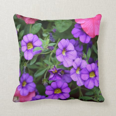 [Colorful Flowers] Pretty Purple Calibrachoa Throw Pillow